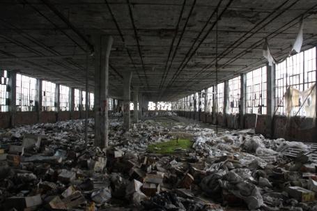 10 vervallen fabriek klein