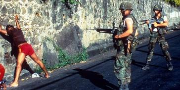 _62889132_grenada_us_prisoners2_ap