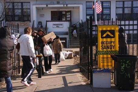 Het hoofdkwartier van Occupy Sandy in Midland Beach, Staten Island