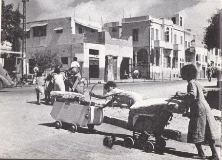 Palestijnen vluchten uit Arabisch Jaffa, 1948
