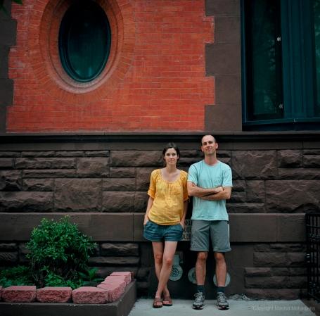 Tom en Rosaline (toen nog zwanger) thuis in Harlem. Binnenkort verkast het stel naar Ethiopie