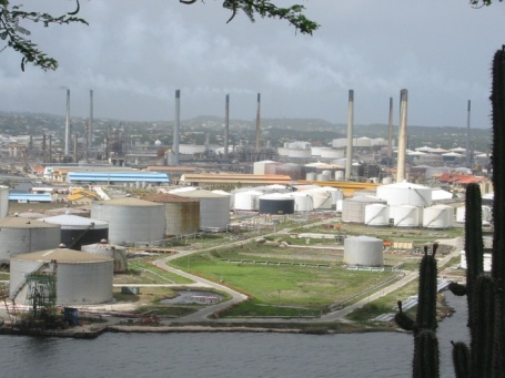 20021109g_Curacao_Refinery.sized_1