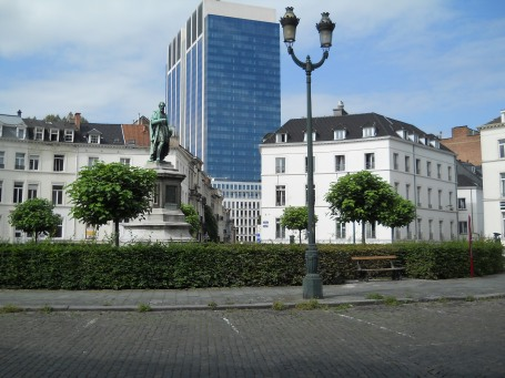 standbeeld Barricadenplein
