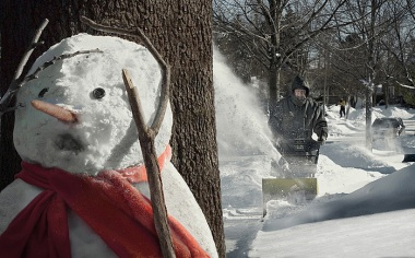24 snow horror