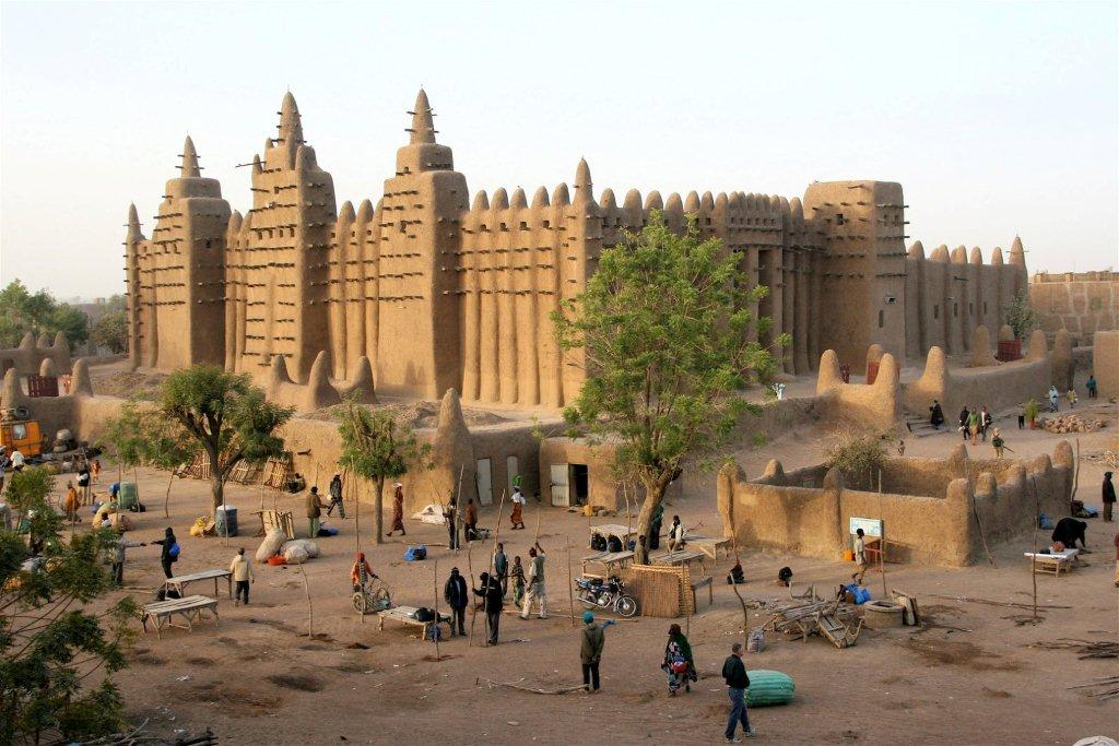 How did the world come to learn of the empire of Mali?