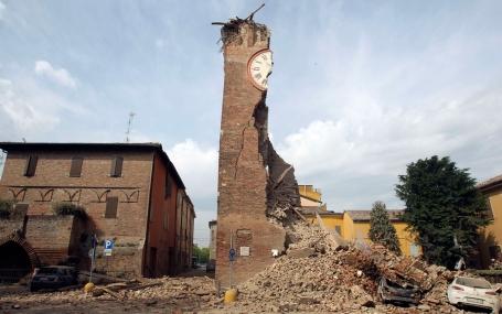 22 quake Italy