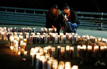 Kaarsen voor de slachtoffers in Oregon