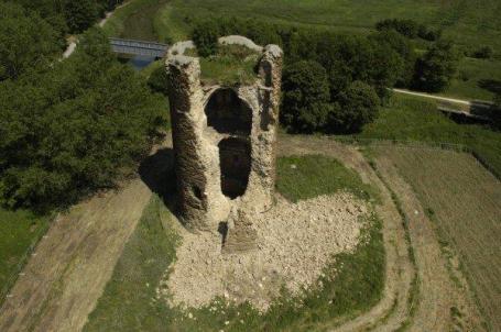 De ingestorte toren