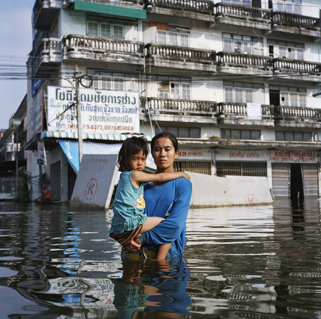 Gideon_Mendel_-_Drowning_World_4