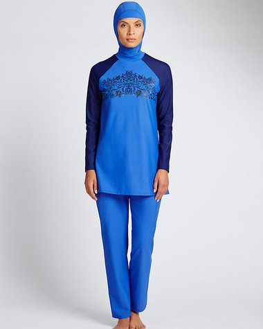 Een burkini te koop by Marks & Spencer